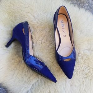 Shoes - Navy blue pointy toe heels